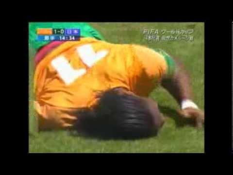 【 闘莉王 が ドログバ を 破壊 】 日本vsコートジボワール 【飛び膝蹴りシーン】 ▽2010年6月4日