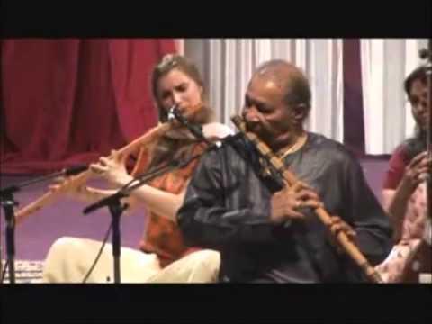 Pt Hariprasad Chaurasia & Vijay Ghate (Raag Jog) Bansuri Flute Tabla (Shri Mataji 2007) Sahaja Yoga