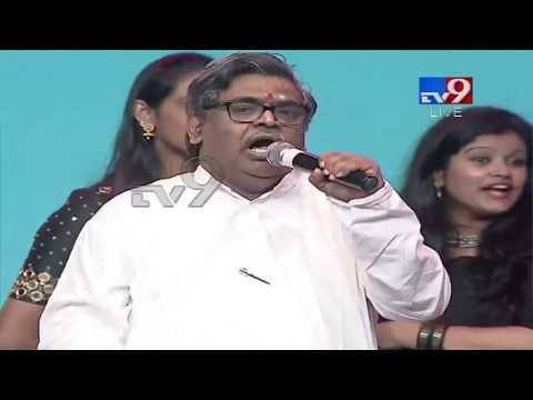 Sirivennela Seetharama Sastry praises Jr NTR at Aravinda Sametha Pre Release - TV9