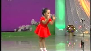 Chinese girl singing funny song