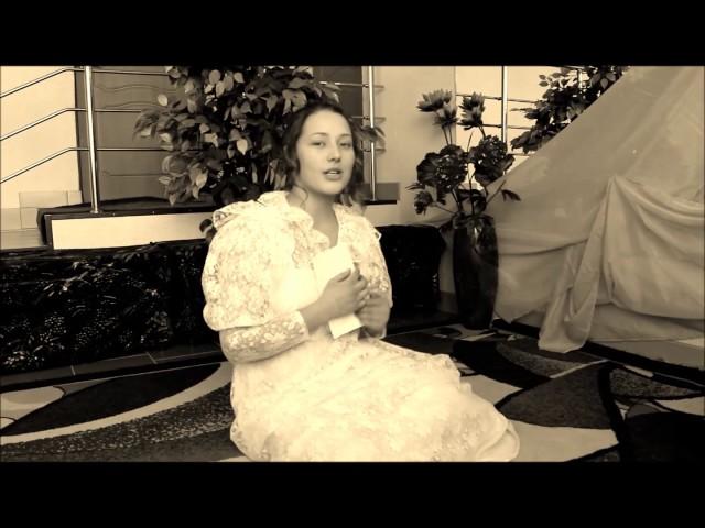 Изображение предпросмотра прочтения – КаринаЛещенко читает произведение «Она сидела наполу…» Ф.И.Тютчева