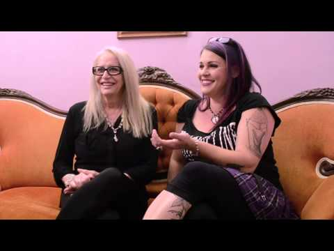 Backseat Filmmaker Ep 8  DECLINE Does Dallas: A Conversation with Penelope Spheeris & Anna Fox