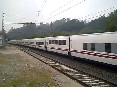 Tren hotel barcelona vigo en os valos youtube for Barcelona paris tren hotel