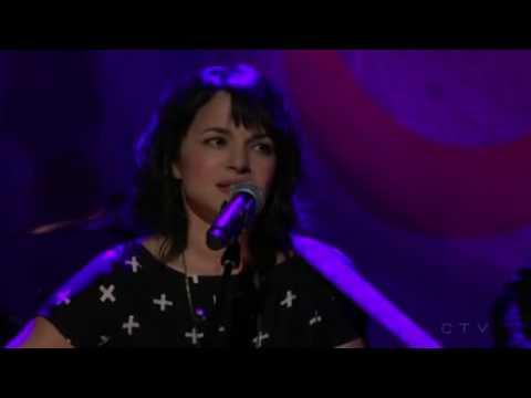 Behind That Locked Door (George Harrison) - Emotional Version by Norah Jones Live on Conan