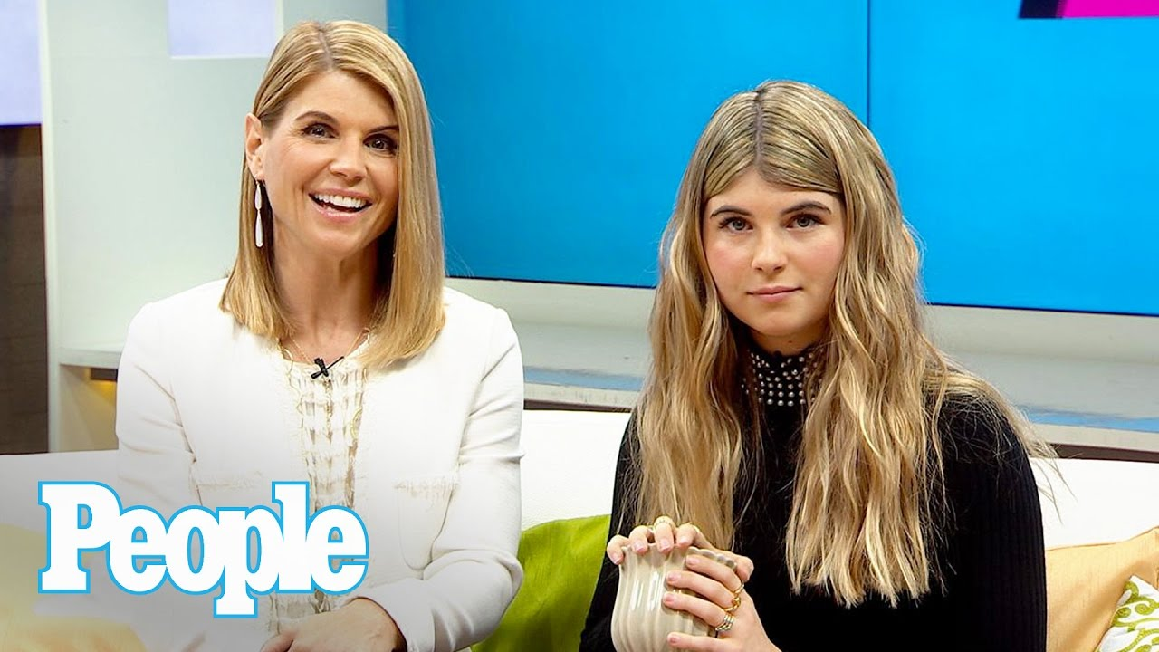 Lori Loughlin Daughter Says Mom Is Embarrassing To Be Out In ...