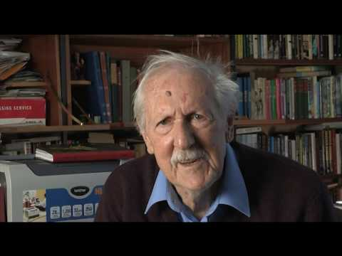 Brian Aldiss - Devoted to the idea of writing (48/79)