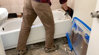 How to Remove a Batнtub 🧐