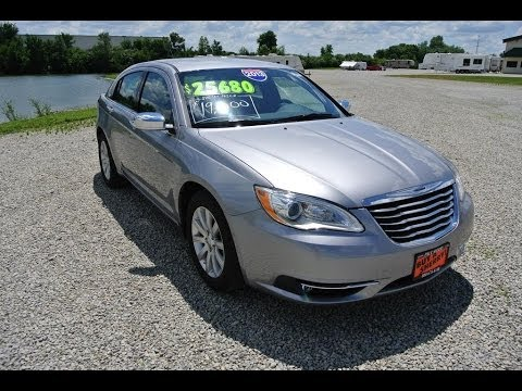 2013 chrysler 200 limited sedan 21 156 silver for sale. Black Bedroom Furniture Sets. Home Design Ideas