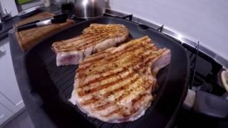Стейк зі свинини. Рецепт . Як приготувати стейк вдома.