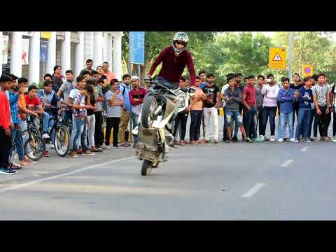 Raahgiri Day in Connaught Place (STUNTRIDING)