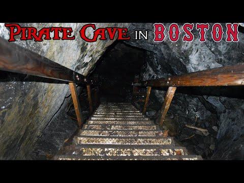 Dungeon Rock - Pirate Cave In Boston , Massachusetts