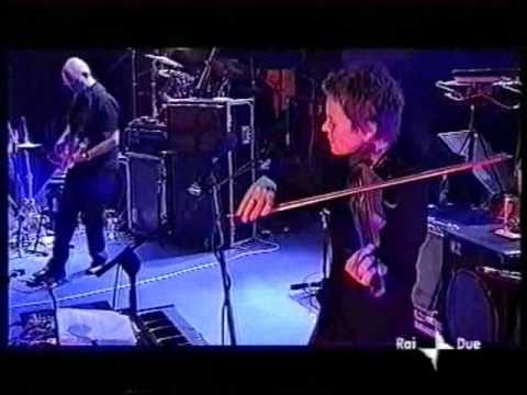 White Lily & Puppet Motel - Laurie Anderson Live in San Remo 2001