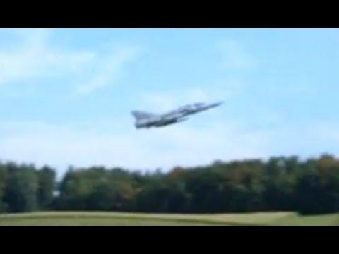 Mirage Jet take off at Dübendorf Airbase Switzerland - cool Sound