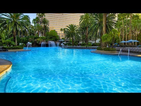 Las Vegas Mirage Pool in 4K June 1 2017 Sony FDR-X3000 Amazing Hotel