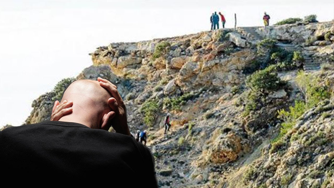 Picture Of Girl Swinging Over Cliff - Download Cliff Stock Photos Including -5476