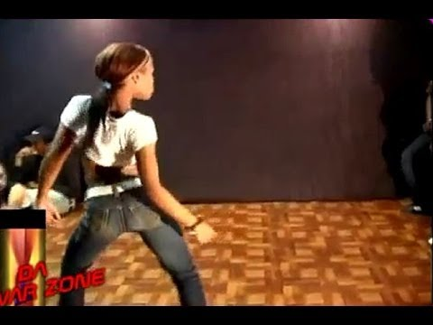 Girls vs Guys Dubstep Dance Battle 2013! (Dance Off) Who wins? The Guys or the...