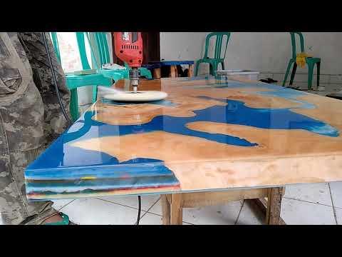 Meja resin kayu tembesu