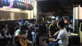 Tình đất: sáo Chí Dũng , guitar Văn Anh