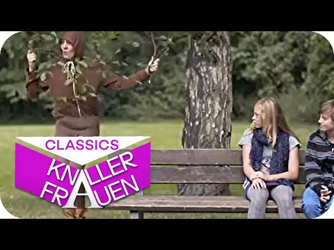 Besorgte Mutter [subtitled] | Knallerfrauen mit Martina Hill from YouTube · Duration:  3 minutes