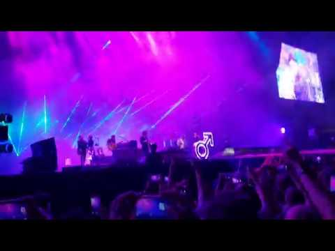 The Killers - Mr Brightside -  2018 Singapore F1 Concert Live