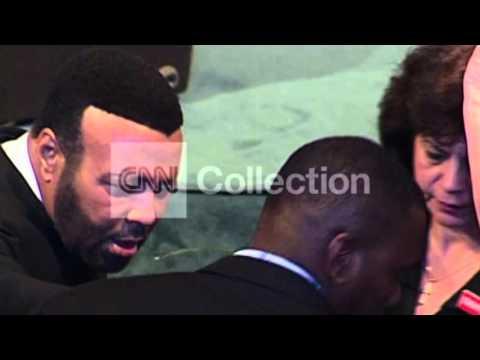 FILE: GOSPEL SINGER ANDRAE CROUCH DIES