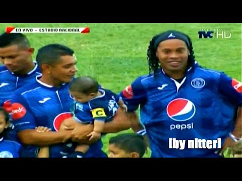 Ronaldinho Football Skills Show 2017 en Honduras [by nitter]
