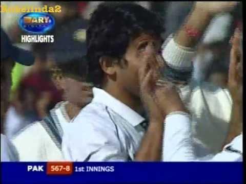 Zaheer Khan fools Inzamam Ul Haq unplayable ball, 2006 2nd test