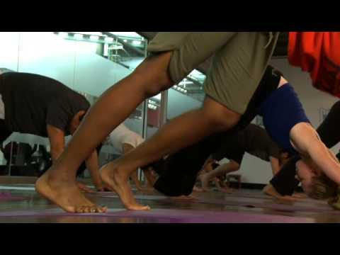Vinyasa Yoga Class at Crunch Gym
