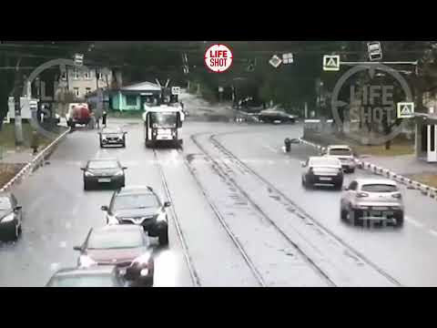 Момент жёсткого ДТП в Нижнем Новгороде