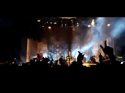 Arctic Monkeys - Do Me A Favour Live @ The O2 Arena, London 2018