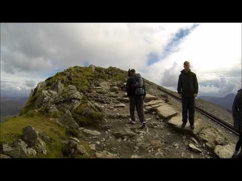 Snowdonia road trip & top of Snowdon (1085 m)