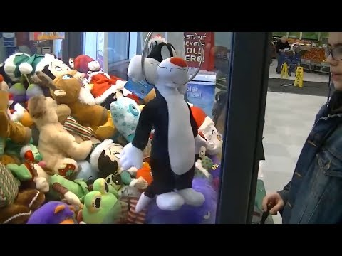 Claw Machine !-~Unbelievable battle for Jerry~+More Crazy Wins!