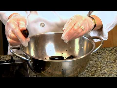 Storing And Cleaning Mussels: Culinary How-To