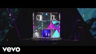 Sasha, Benny y Erik - Fantasma ft. Maluma