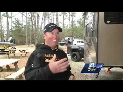 Pro angler saves man life by pulling him from Lake Hartwell
