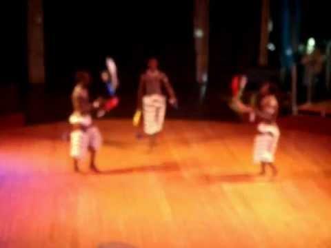 Jango Jugglers club juggling @ Mama Africa