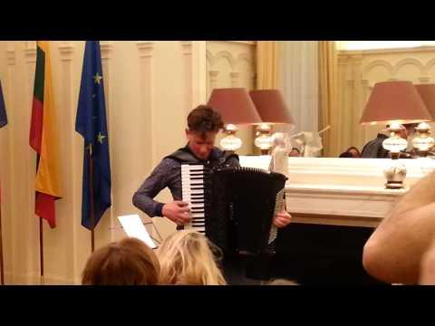 Martynas : Showcase à L'ambassade De Lituanie - 06/03/14
