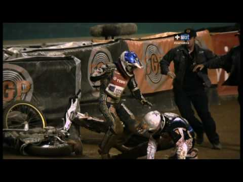 FIGHT Scott Nicholls VS. Emil Sayfutdinov Cardiff SGP 2009