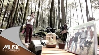 D'Masiv ft Denny Chasmala - Salah Paham (Live at Music Everywhere) *
