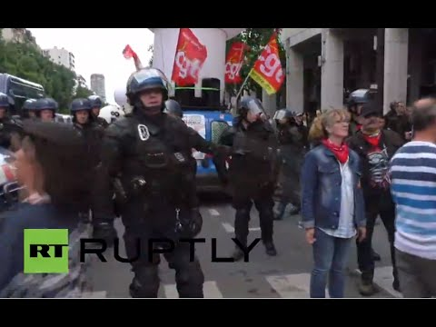 LIVE: Trade unions protest labor reforms in Paris