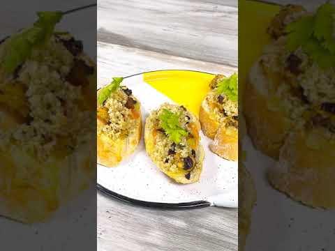 Crostinis de pollo, quinua y aceitunas