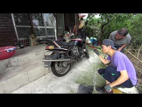 오토바이 속에 ~ 뱀이다 ~ Snake in Motorcycle