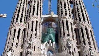 Собор Святого Семейства(Строительство собора началось под руководством Франсиско де Паоло де Вильяр. Архитектор строил храм в..., 2016-01-25T15:56:51.000Z)
