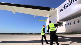 airBaltic Bombardier Dash-8 Q400 external check by our pilots (part 4 of 6 - Right wing & Nacelle)