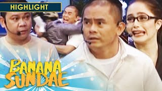 Banana Sundae: Mayor Jason receives a death threat!