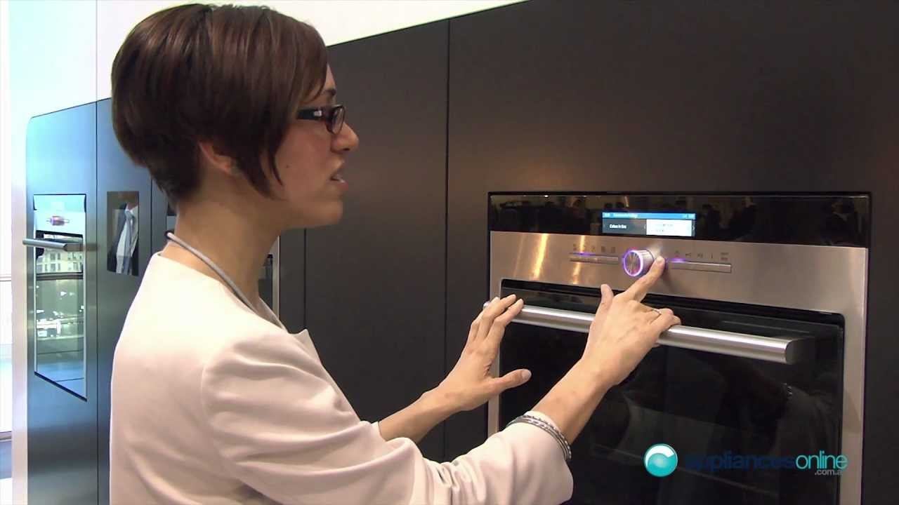 Onwijs Siemens top-of-the-range oven features clear TFT display with a ZG-28