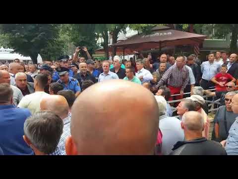 PD denoncon: Po protestonte kundër Ramës, policia dhunon deputetin Xhemal Gjunkshi