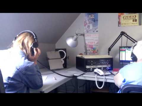 Sur Radio RCD (Radio Calais Détroit) : Fabienne à l'antenne
