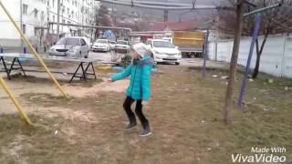 Клип на песню кружит Монатик