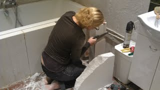 Nicole builds our bathroom - From demolition to tile